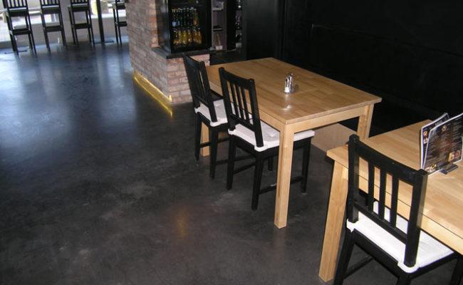 posadzka-betonowa-kawiarnia